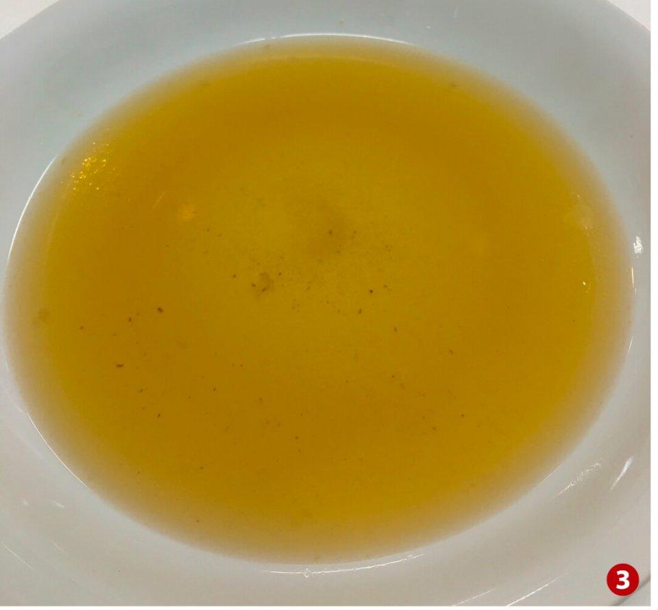 スープをはじめサプリメントや、すっぽん鍋セットなど手軽に味わえる商品が魅力