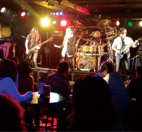 7th Heaven Koza(セブンスヘブンコザ):パンク、ロック、ヒップホップ、アコースティック、沖縄民謡などのライブイベントが楽しめる