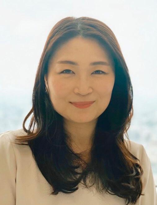 堀口 麻奈(ほりぐち・まな) 東京商工会議所認定 健康経営アドバイザー 女性の健康管理アプリ「ルナルナ」や健康診断データを中心とした健康管理サービス「CARADA」を展開する株式会社エムティーアイのヘルスケア営業部CARADA導入サポート部部長、HCD-Net認定 人間中心設計専門家。健康経営サポーターとして数多くの企業の健康経営をアシストしている
