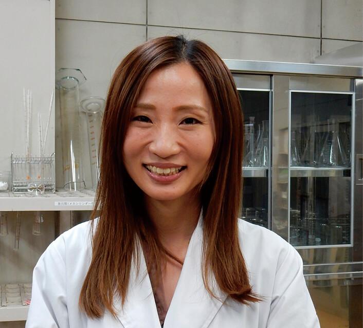 「透明醤油は150周年記念らしからぬ商品ですが、周年記念だったからこそ世に出た商品とも言えますね」と語る、開発担当者の早田文子さん