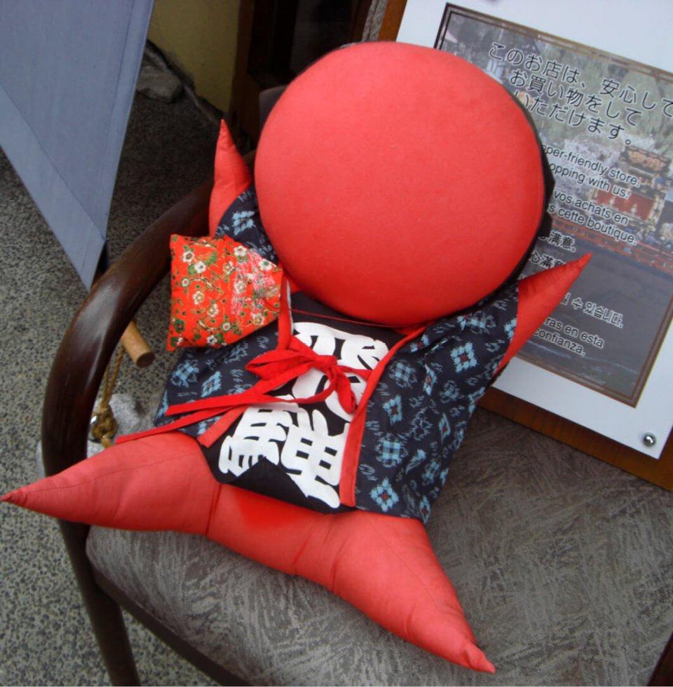 「さるぼぼ」(猿の赤ん坊)は飛騨高山地方で古くからつくられている人形。「さるぼぼコイン」のネーミングセンスも普及拡大につながったといえそうだ