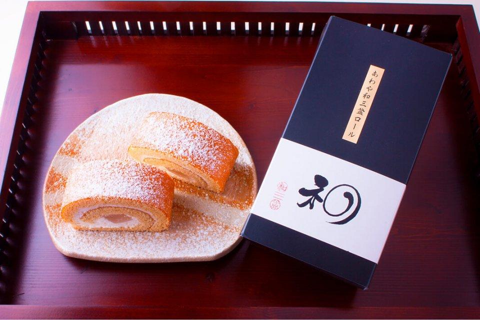 あわや和三盆ロール 1本1458円(税込み) ※賞味期限(冷凍)は配送日より30日間