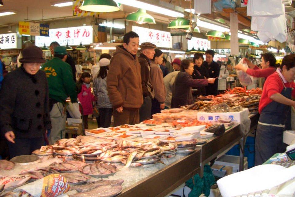 和商市場は、月2回の特売日「和商の日」にイベントも企画。釧路駅商店街もその日程で特売日を打ち出し、エリア全体で集客を図る