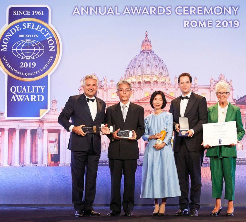イタリア・ローマで開催されたモンドセレクションの金賞を受賞し表彰式にも出席した