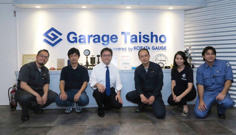 今回、感染防止具の製作に協力した方々(左から南さん、西村さん、木幡さん、土井さん、林さん、長嶺さん)