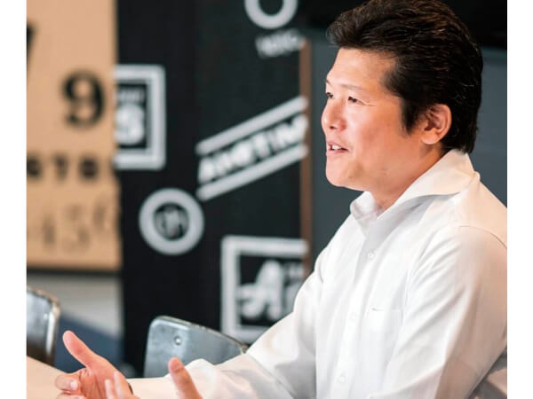 IT投資は年間1000万円近くまで増えているが、「IT化は弊社の事業戦略の中の根幹部分。事業の成長とIT投資額は比例する」と小泊勇志さん