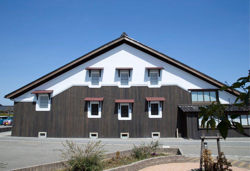 大正11(1922)年に建てられた大正蔵では、越後杜氏による酒づくりが行われていた