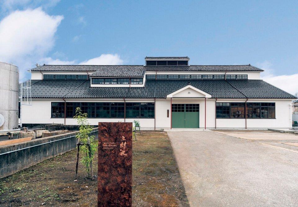 三郎丸蒸留所は北陸唯一のウイスキー蒸留所で、1952年からウイスキーづくりを行っている