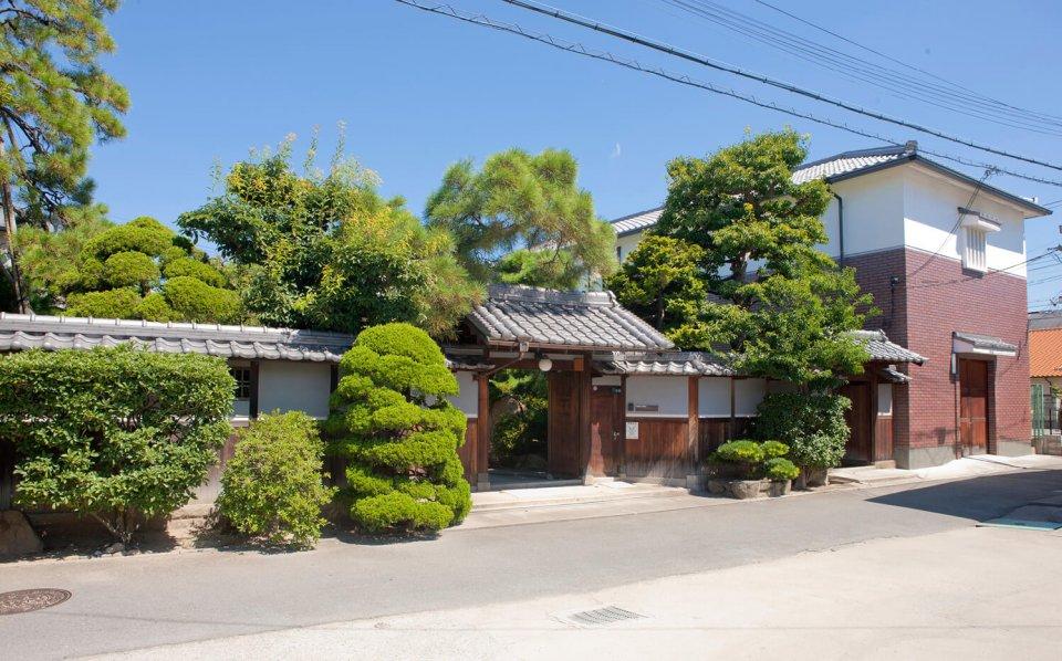 趣きのある日本家屋をそのまま社屋にしている