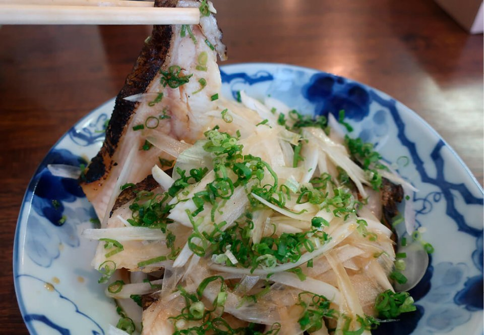 須崎名物のウツボのたたき。最近は高知市でもウツボがよく食べられているが、もともとは須崎の名物だった