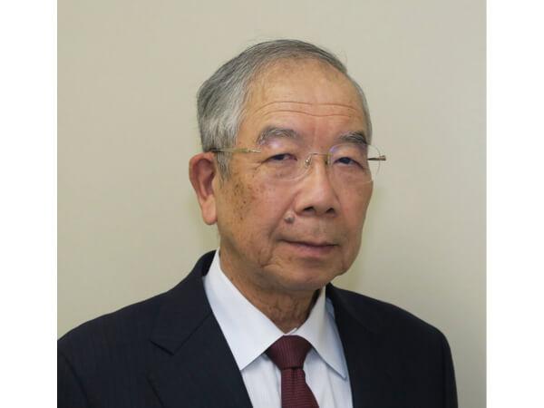 上毛食品工業社長の栗本靖彦さん。「事務処理や労務管理、商品の提供、サービスの方法を変えて次の時代に事業を継続していくために、IT化を決意しました」