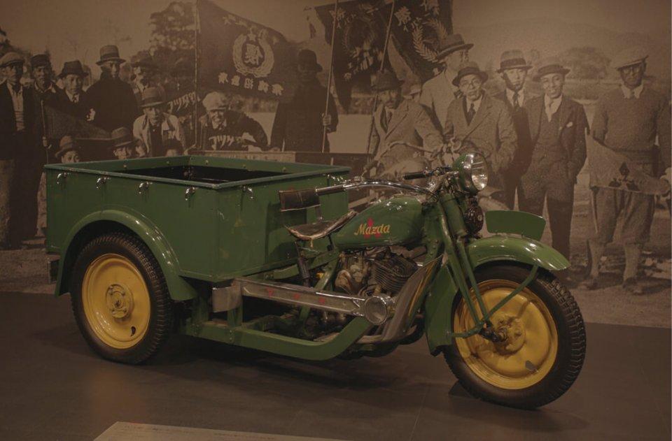 昭和6(1931)年に販売された三輪トラック「マツダ号DA型」。ここからマツダの歴史は幕を開けた
