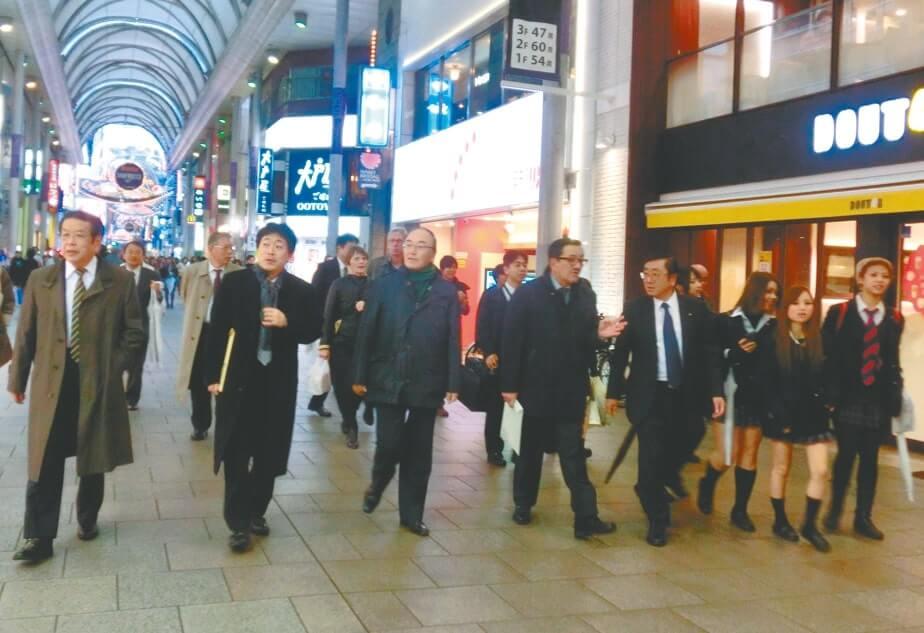 広島市中心部の本通商店街を視察(12月10日)
