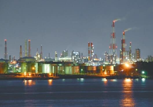 「工場萌え」のファンにとってはたまらない、堺泉北臨海工業地帯の夜景