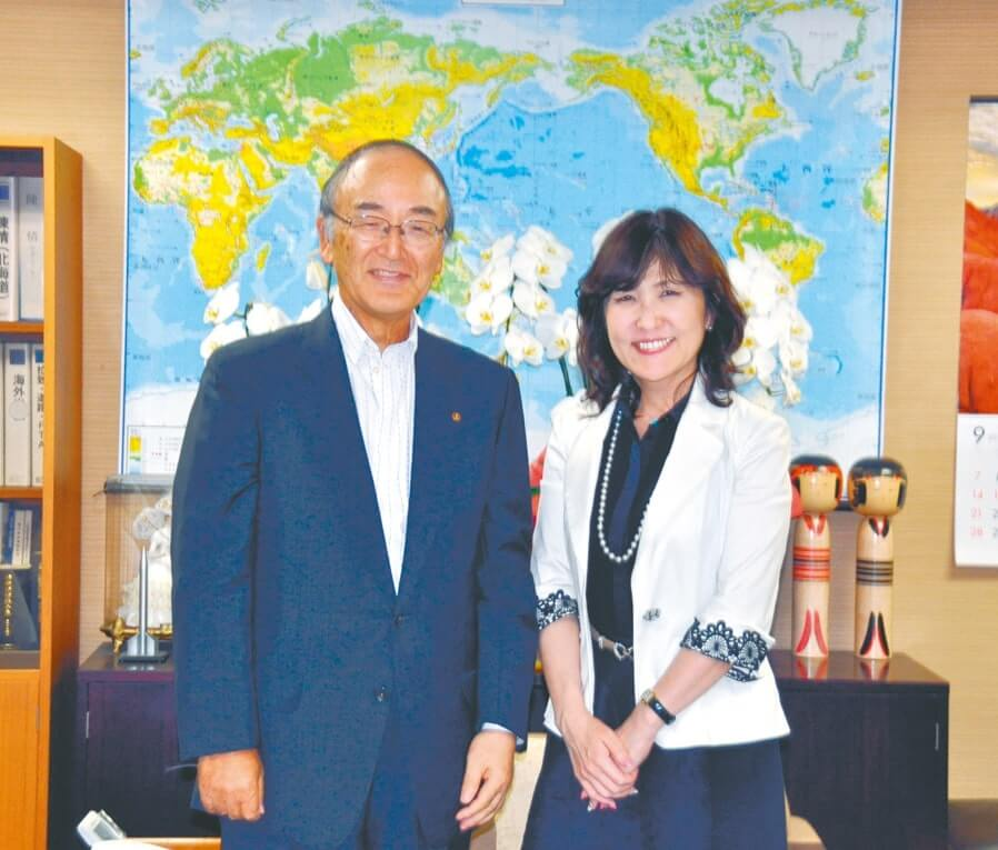 自民党本部を訪問し、稲田政調会長と会談した三村会頭