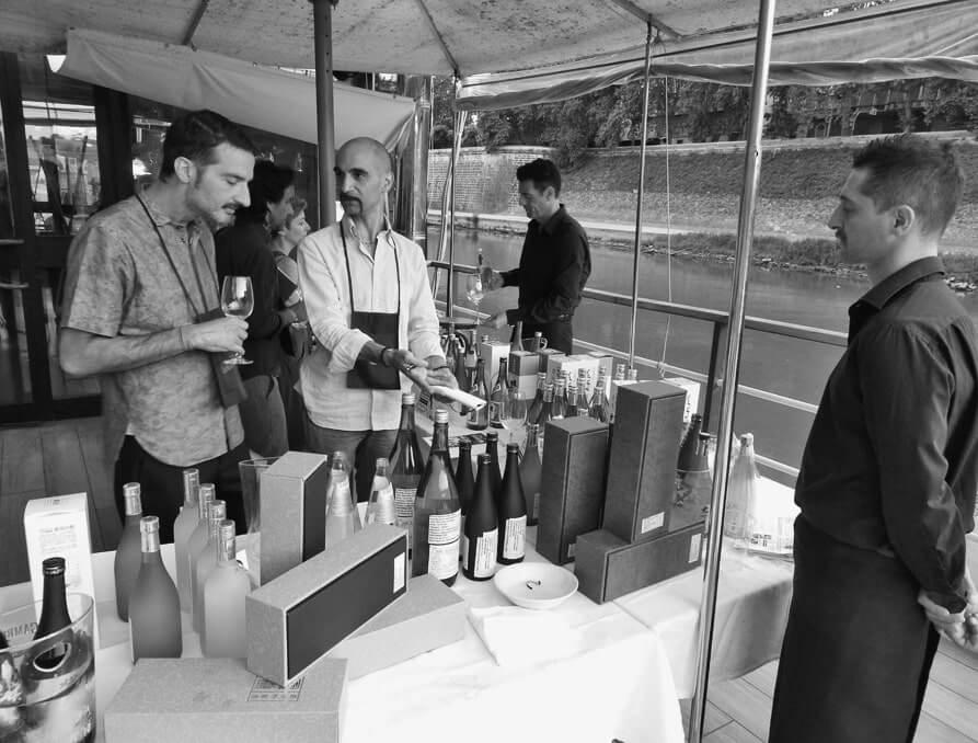 船上レストランで実施されたローマの試飲会