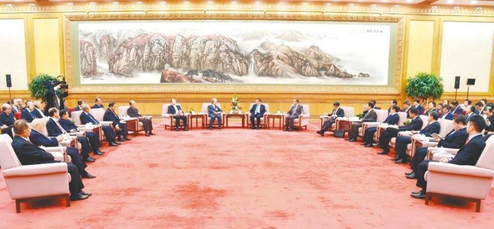 李首相と会談する訪中団