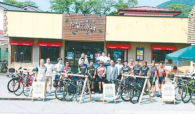 多くのサイクリストが集まる