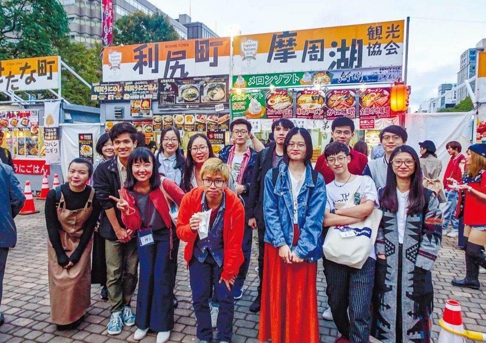 中国、香港、台湾の留学生たち