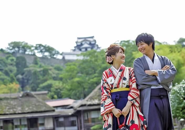 歴史を楽しむ城下町、彦根を袴姿でお散歩