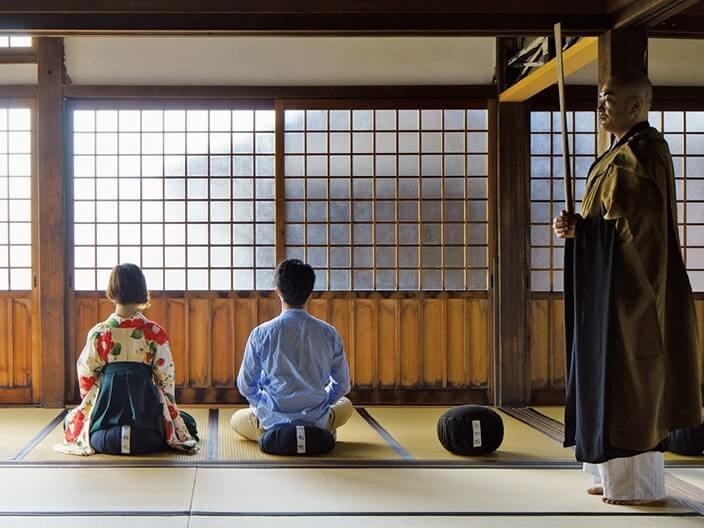 井伊直政公ゆかりのお寺で朝の坐禅体験
