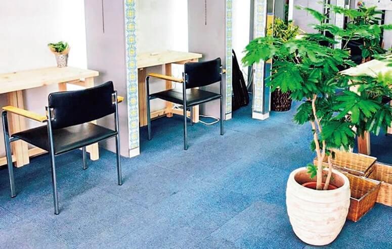 オフィス機能をコンパクトにまとめた空間