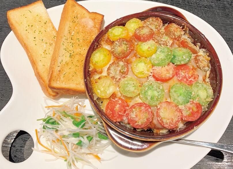 「キッチン&カフェほんだ」のトマトを使ったペンネグラタン